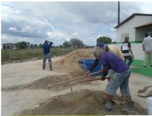 Trabajos para instalar las cisternas de recogida de agua