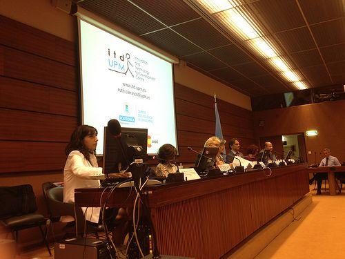 Ruth Carrasco, del itdUPM, presenta el informe en el Consejo Económico y Social de Naciones Unidas, en Ginebra (Julio de 2013)