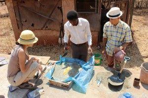 Visita de José Antonio Mancebo (Derecha), alProyecto de mejora del acceso al saneamiento en el Región de Dodoma